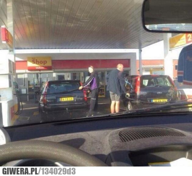 stacja benzynowa,Anglia
