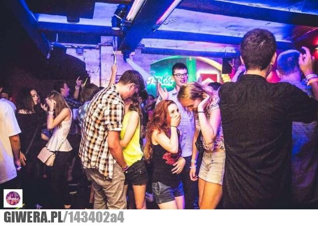 Klub,impreza,palec grzebalec