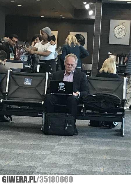 Prawdziwy pirat,lotnisko